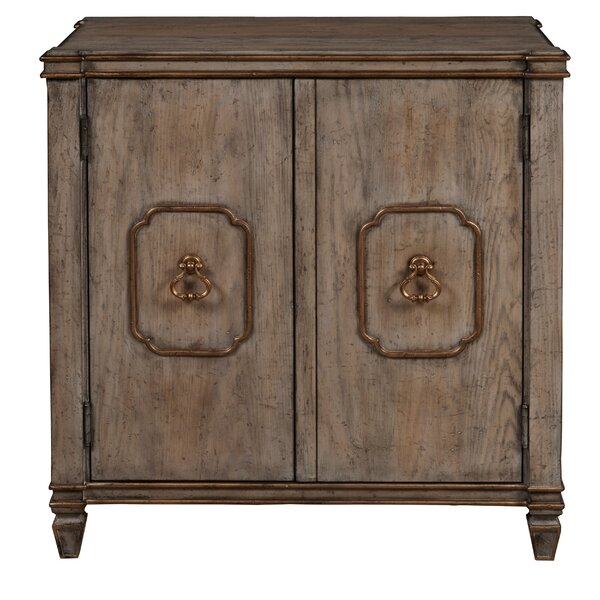 Ronaldo Traditional 2 Door Accent Cabinet by Fleur De Lis Living Fleur De Lis Living