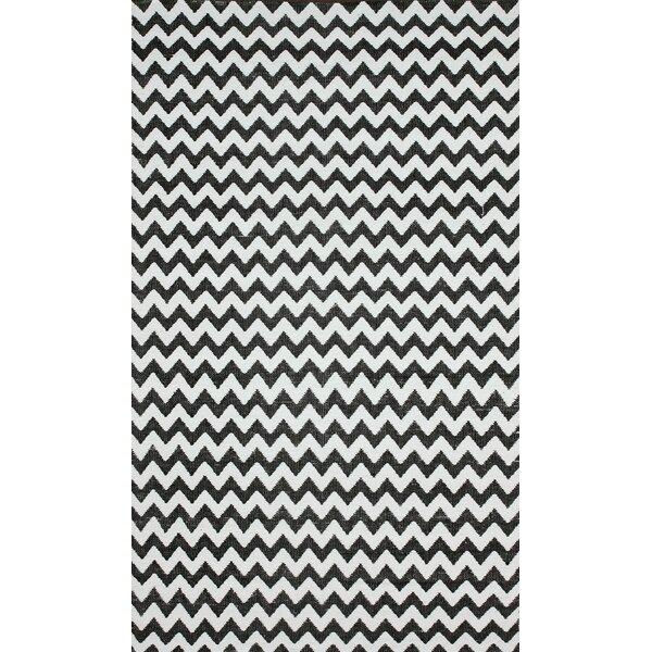 Brilliance Grey/White Chevon Indoor/Outdoor Area Rug by nuLOOM
