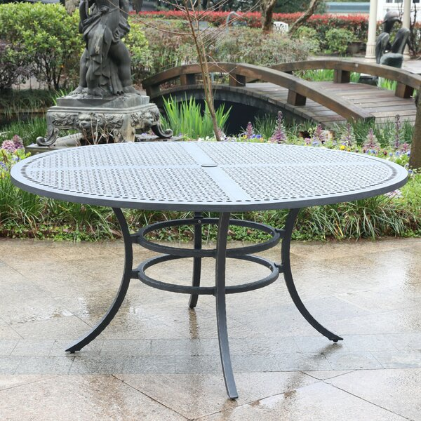 Waconia Aluminum Dining Table by Fleur De Lis Living