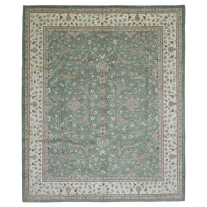 Pearle Hand Woven Wool Green Area Rug