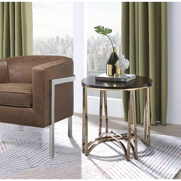 Osseo End Table by House of Hampton