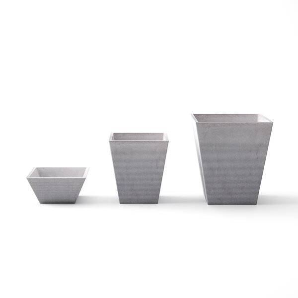Pyramid 3-Piece Plastic Pot Planter Set by Veradek