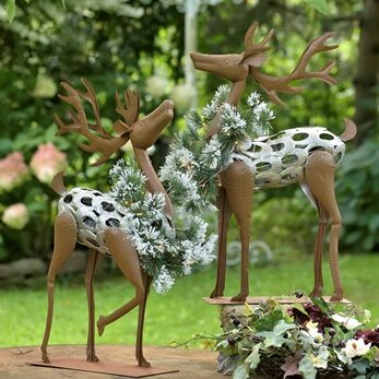 2 Piece Iron Reindeer Set by The Holiday Aisle