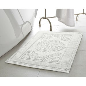 Chesapeake Cotton Stonewash Medallion Bath Rug