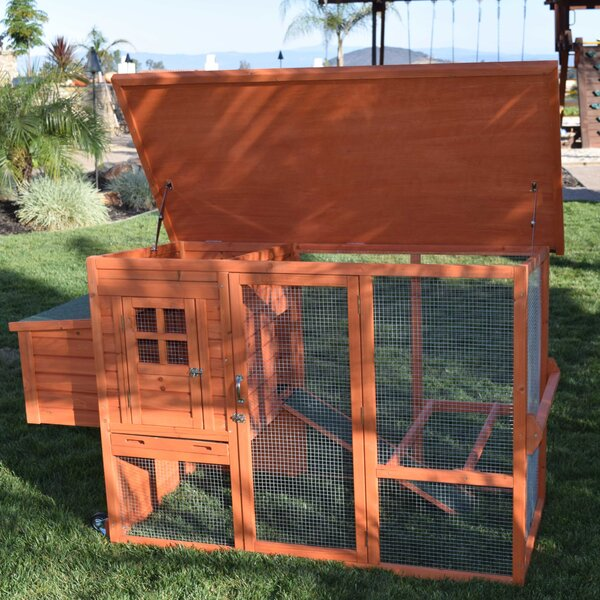 Prancer Mobile Wood Coop by Tucker Murphy Pet