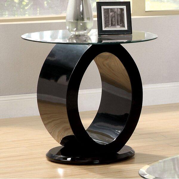Everette End Table by Orren Ellis
