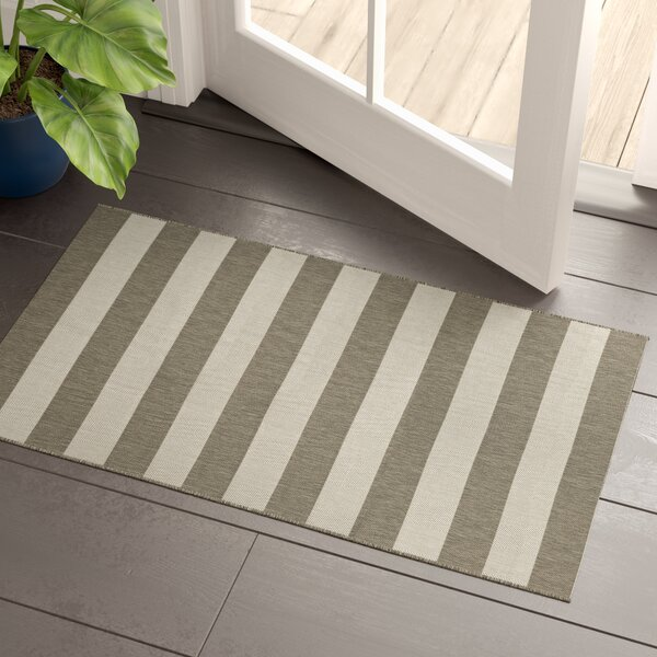 Gallinas Flatweave Tan/Ivory Indoor/Outdoor Area Rug by Beachcrest Home