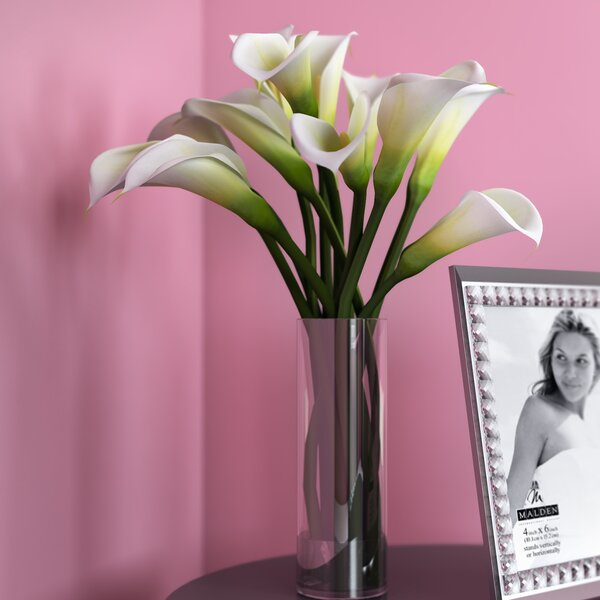 Calla Lily Flower Arrangement in Flower Vase by Wi