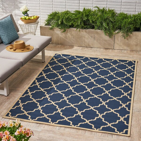 Heppner Geometric Navy Indoor/Outdoor Area Rug by Alcott Hill