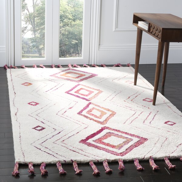 Lockheart Hand-Tufted Beige/Pink Area Rug by Mistana