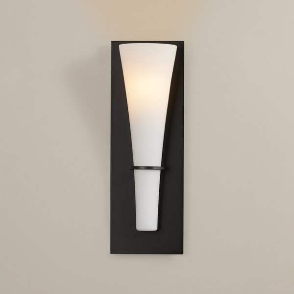 Hugo 1-Light Wall Sconce by Wade Logan
