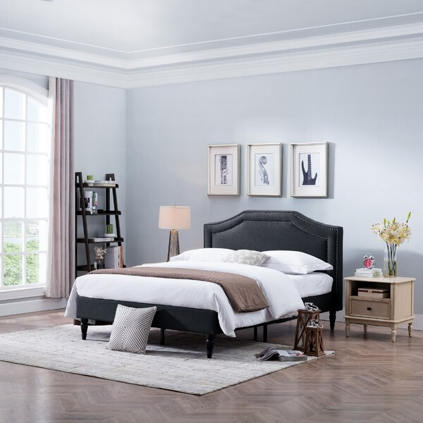 Leung Fabric Queen Upholstered Platform Bed by House of Hampton