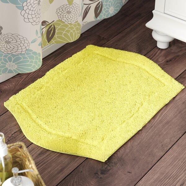 Shera Bath Rug by Darby Home Co