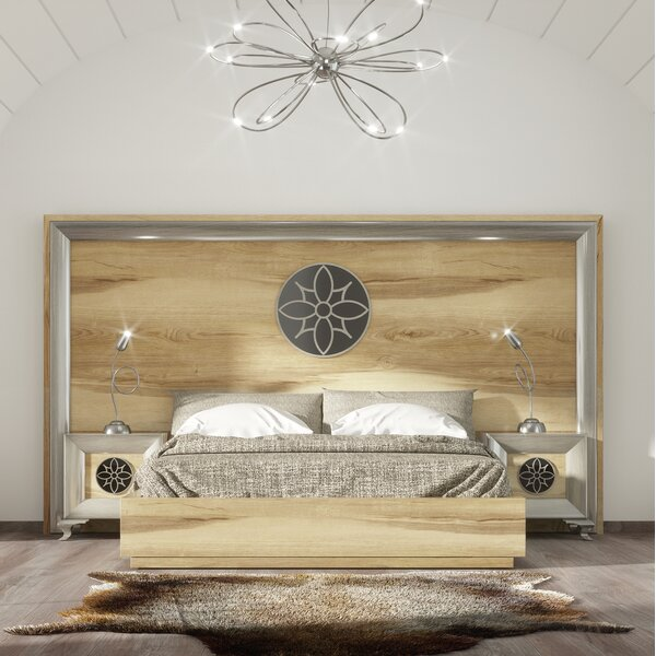 Jerri Standard Bed by Everly Quinn
