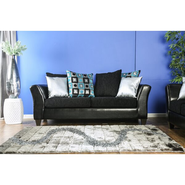 Review Chace Sofa