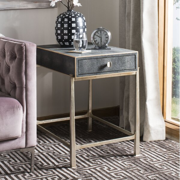 Rojas End Table by Everly Quinn