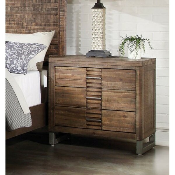 Kentwood 3 Drawer Bachelor's Chest by World Menagerie World Menagerie