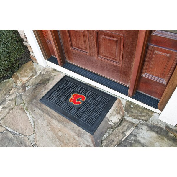 NHL - Calgary Flames Medallion Doormat by FANMATS
