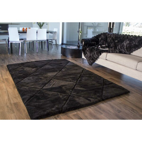 Shortwool Black Design Rug by Bowron Sheepskin Rugs