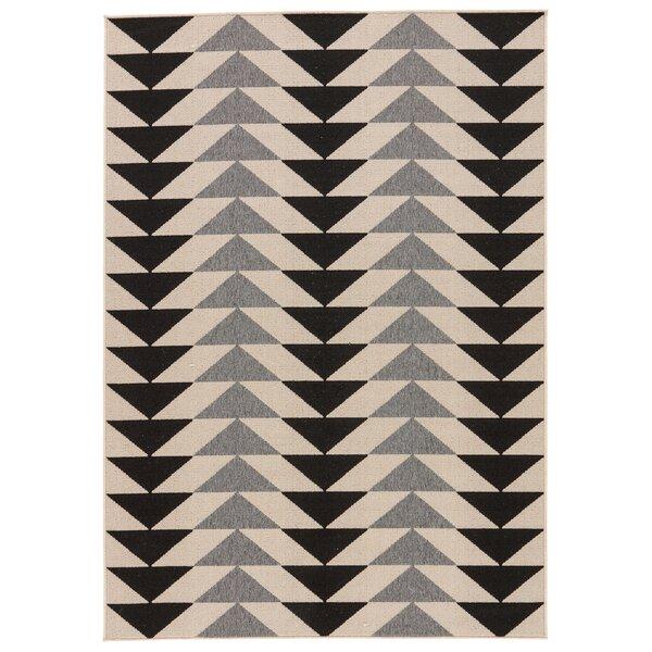 Hendrick Ivory/Black Indoor/Outdoor Area Rug by Wrought Studio
