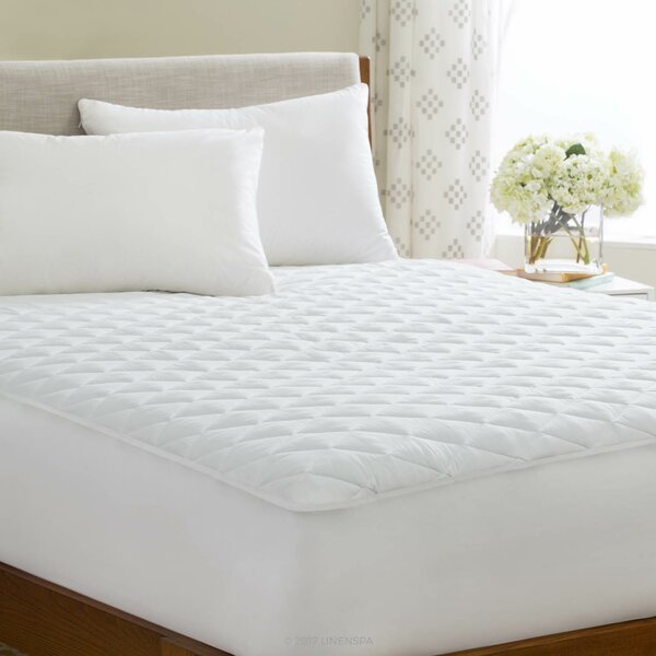 Polyester Fiber Waterproof Mattress Pad by Linenspa