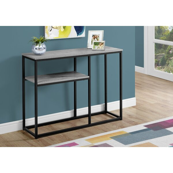 Review Antwan Console Table
