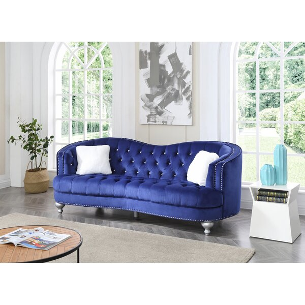 Fine Quality Karli Chesterfield Sofa by Everly Quinn by Everly Quinn