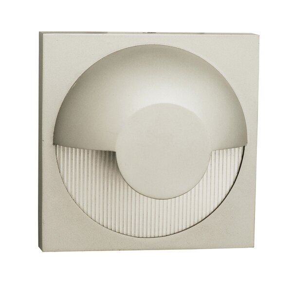Patnaude 1-Light Outdoor Flush Mount by Latitude Run