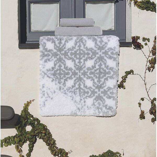 Pinero Vintage Tile Bath Rug by Bungalow Rose