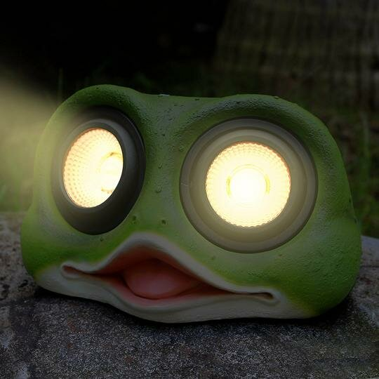 Frog Solar Color Changing Spot Light by Myfuncorp