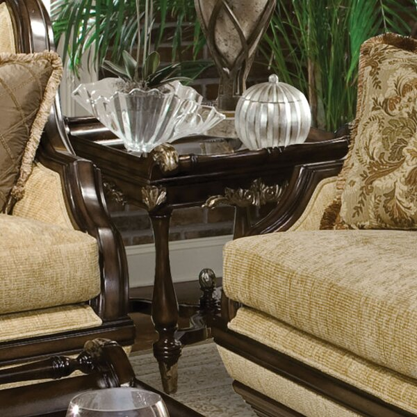 Rosetta End Table by Benetti's Italia