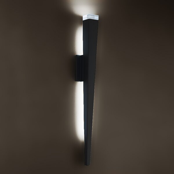 Staff LED Outdoor Sconce by Modern Forms
