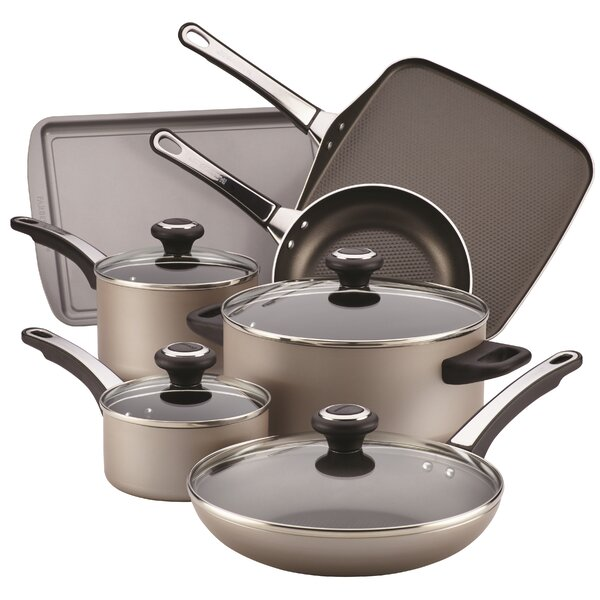 17 Piece Non-Stick Cookware Set by Farberware