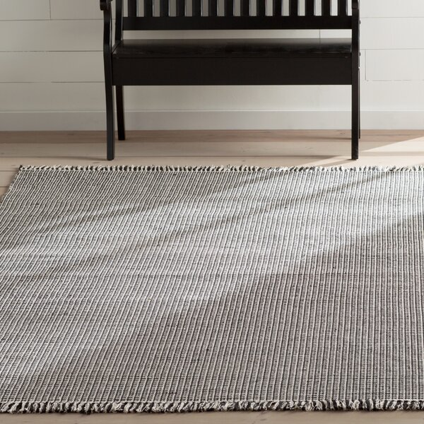 Oxbow Hand-Woven Cotton Ivory/Black Area Rug by Laurel Foundry Modern Farmhouse