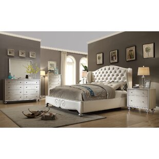Aveliss Queen Panel 4 Piece Bedroom Set