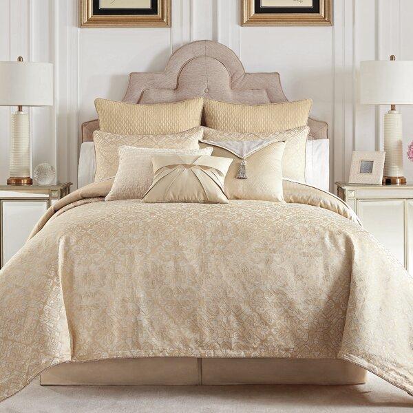 Olann Reversible Comforter Set