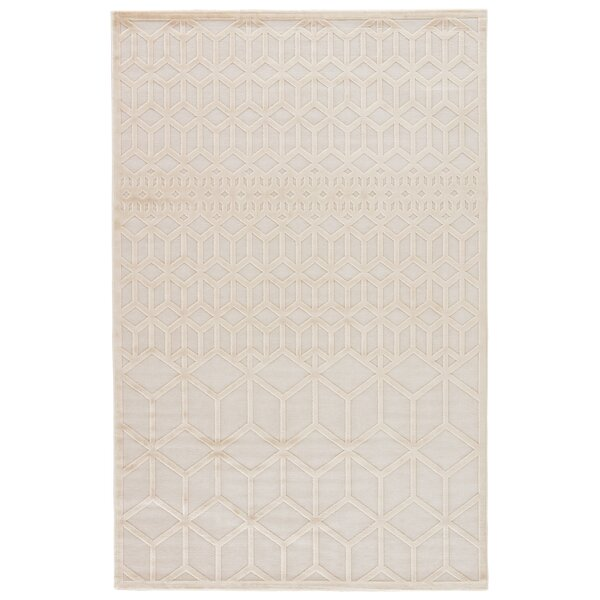 Helene Cream/White Area Rug by Wrought Studio