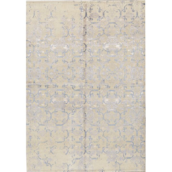 Damask Hand-Knotted 5.7' x 7.11' Cream/Gray Area Rug
