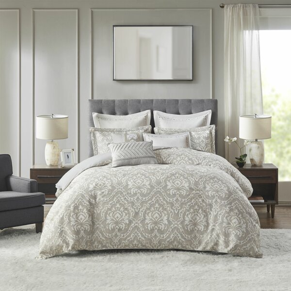 Manor Comforter Set