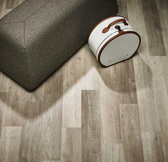Allura 6 x 39 x 2.5mm Luxury Vinyl Plank in White Autumn Oak by Forbo