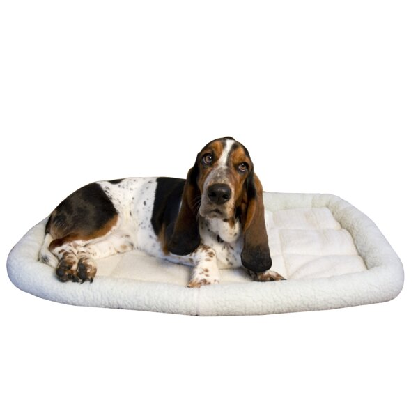Premium Synthetic Sheepskin Handy Bed by Iconic Pet