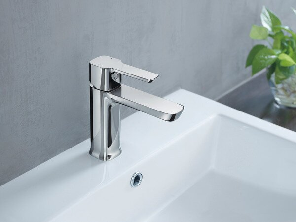 Project-Pack Lavatory Single Hole Bathroom Faucet by Delta