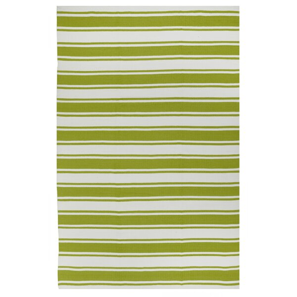 Estate Lucky Hand-Woven Green/White Indoor/Outdoor Area Rug by Fab Habitat