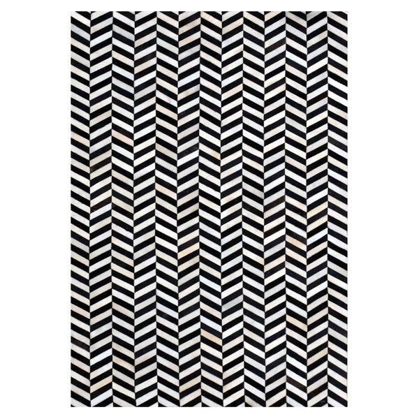 Chantay Chevron Hand Woven Cowhide Black/Ivory Area Rug by 17 Stories
