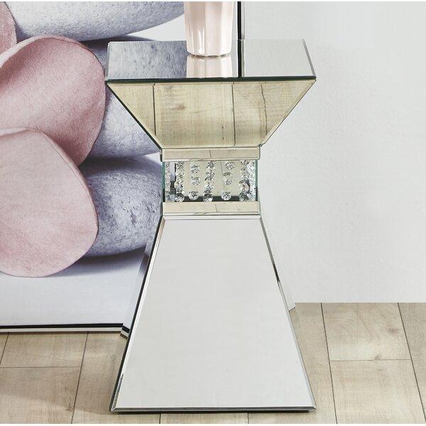 Iacovelli Crystal End Table by House of Hampton