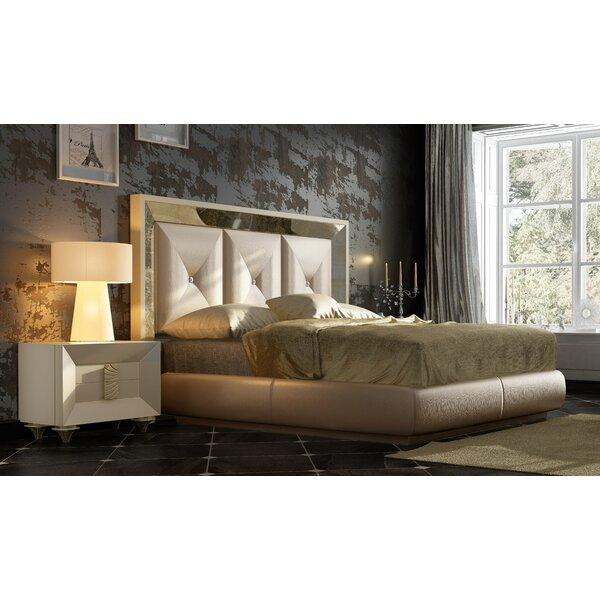 Jerri 3 Piece Standard Bedroom Set by Everly Quinn