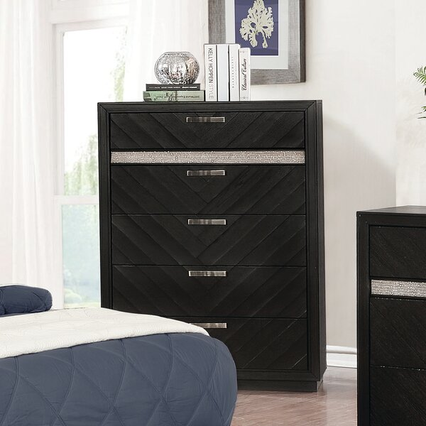 Darrah 5 Drawer Chest by Everly Quinn