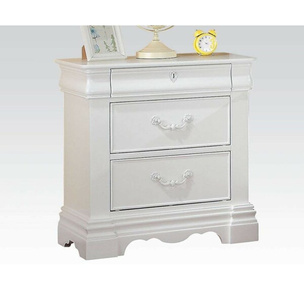 Milstead 3 Drawer Nightstand by Alcott Hill