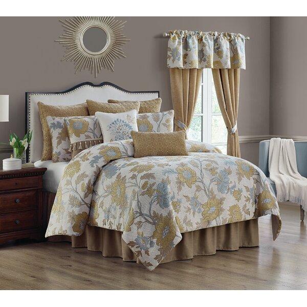Miesner Reversible Comforter Set