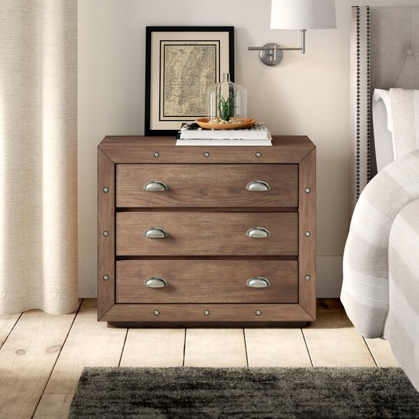 Woodway Farmhouse Style 3 Drawer Accent Chest by Greyleigh